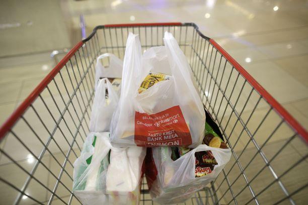 Ruotsin verouudistuksen jälkeen muovipussista voi joutua pulittaman jopa tuplahinnan nykyiseen verrattuna.