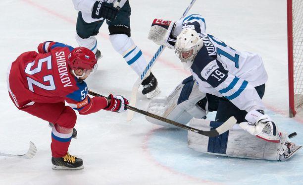 Sergei Shirokov iski Venäjän johtoon avauserässä.