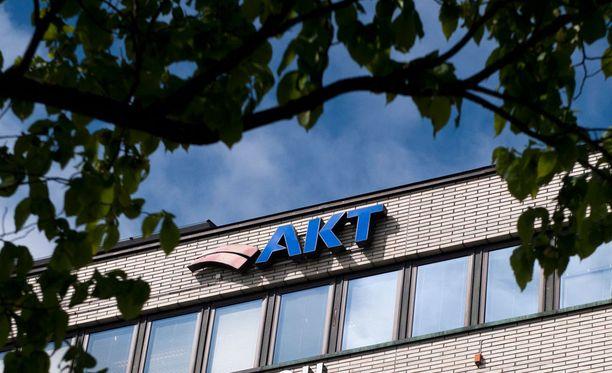 Helsingin Sanomien tietojen mukaan AKT jättäytyy yhteiskuntasopimuksesta pois.