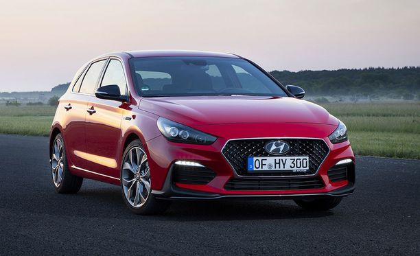 Hyundai i30 N Linessa on tehokkaammat 16-tuumaiset etujarrulevyt.