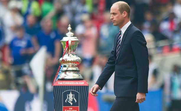 Prinssi William piipahti jalkapallo-ottelussa.