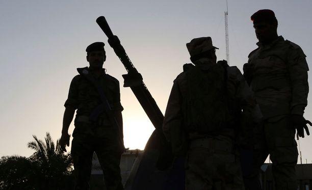 Isis-joukot ja heidän liittolaisensa surmasivat eri arvioiden mukaan 1000-1700 Irakin armeijan sotilaskoulutuksessa olevaa henkilöä vuonna 2014.