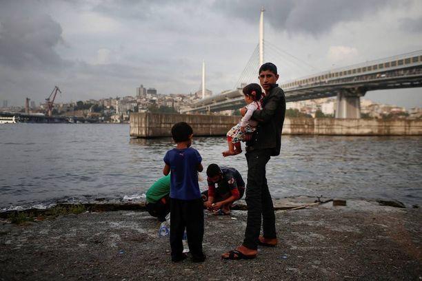 Syyrialaiset pakolaislapset kuluttivat aikaa Istanbulissa.