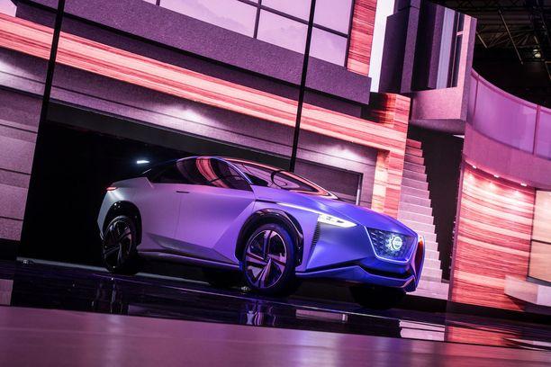 Nissan IMx-konseptin toimintamatkaksi on kerrottu yli 600 kilometriä. Etu- ja taka-akseleille sijoitetut sähkömoottorit tekevät autosta nelivetoisen.