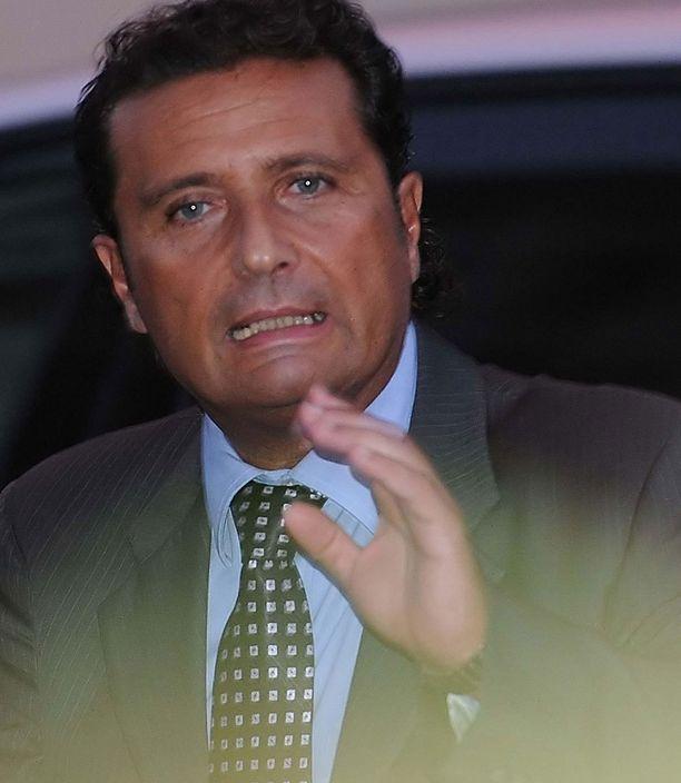 Francesco Schettino sai 16 vuoden ja kuukauden vankeustuomion.