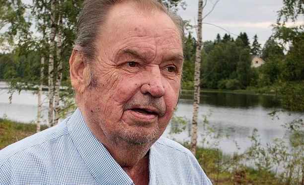 Paavo M. Petäjä syyttää Kari-Pekka Kyröä suomalaisen hiihdon tuhoamisesta.