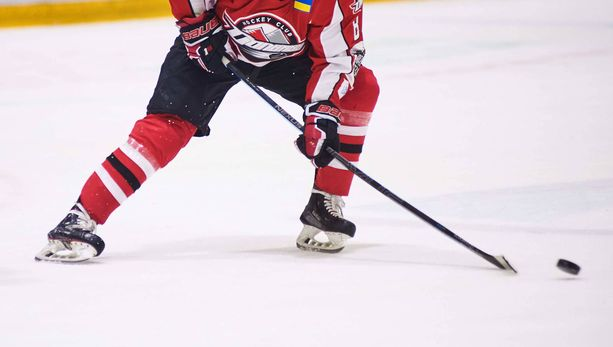 Rasistisen eleen kohteeksi joutunut Jalen Smereck pelaa HC Donbassissa. Kuvituskuva.