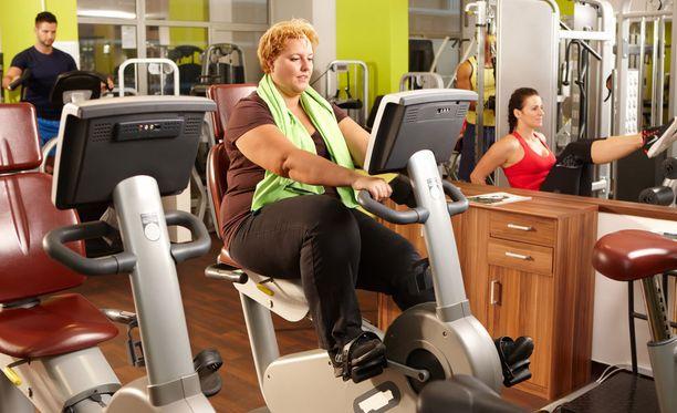 Kuntopyörä on ylipainoiselle turvallinen tapa aloittaa liikunta.