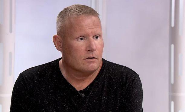 Mikael Runeberg ei omien sanojensa mukaan ikinä paljastaisi tietolähteitä kuulusteluissa.