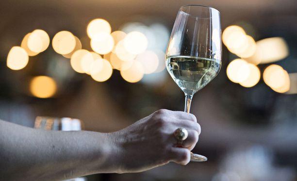 Alkoholi ei ole hyvä keino stressistä palautumiseen.