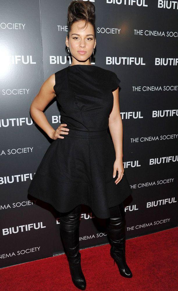 Raskauskilonsa ennätysnopeasti karistanut Alicia Keys juhli keskiviikkona New Yorkissa.