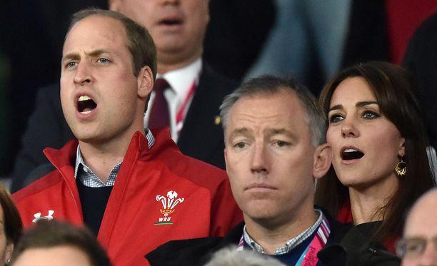 Prinssi William ja Kate Middleton ovat kovia rugby-faneja.