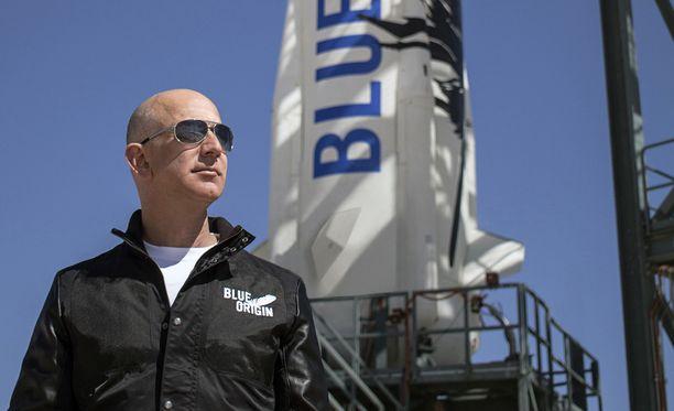 Jeff Bezos haluaa tehdä avaruusmatkailusta halpaa.