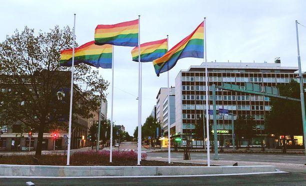 Lahdessa järjestettiin Pride-tapahtuma nyt viidettä kertaa. Sateenkaariliputus oli laatuaan ensimmäinen ja joutui heti ilkivallan kohteeksi.