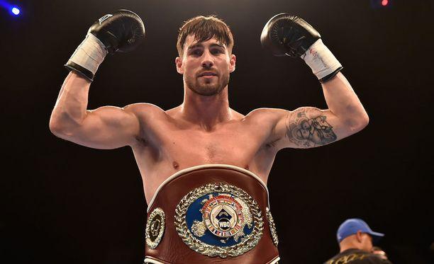 Jamie Cox menettää WBO-liiton mestaruusvyönsä.