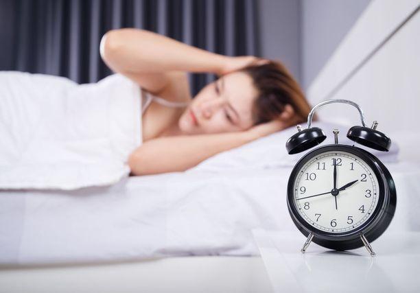 Unettomuuden hoito kuuluu perusterveydenhuoltoon, mutta terveysasemilla unettomuuden lääkkeettömän hoidon hoitomenetelmät ovat puuttuneet.