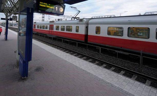 Nuori nainen raiskattiin Helsingin Tapanilan aseman läheisyydessä maaliskuussa 2015.