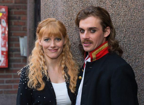 Laura Birn ja Lauri Tilkanen näyttelevät Syysprinssi-elokuvan pääosia.