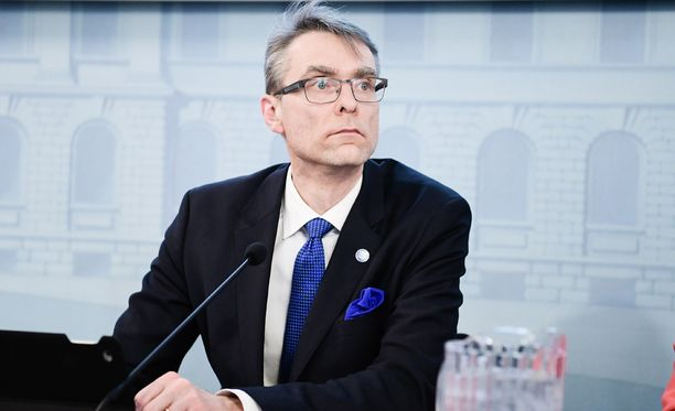 Tuomas Pöystiä kuvaillaan poikkeukselliseksi hahmoksi Suomen hallinnossa. Sote-uudistuksen valmistelua johtava Pöysti aloittaa ensi vuoden alussa oikeuskanslerina. Oikeuskansleri on eduskunnan oikeusasiamiehen ohella ylin laillisuusvalvoja.