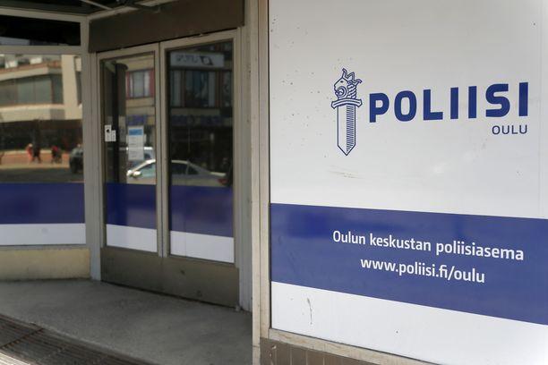Oulun poliisi tutkii asiaa kuolemansyyn selvittämisenä.