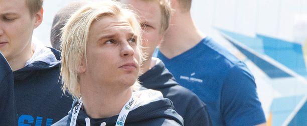 Antti Pihlströmin Ufa on pullahtamassa ulos KHL-finaaleista.