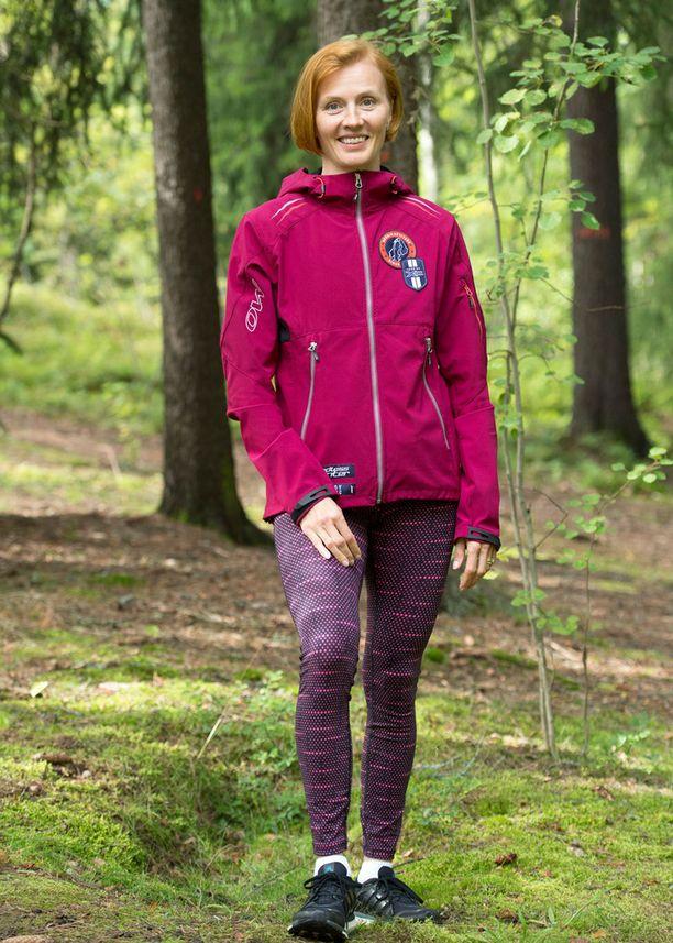 Virpi Sarasvuo nauttii luonnossa juoksemisesta.