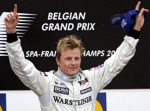 Kimi Räikkönen löi luun Michael Schumacherin kurkkuun Spassa 2004.