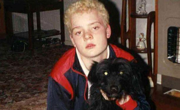 Angela Wrightson hakattiin kuoliaaksi kotonaan. Kuva on otettu muutamia vuosia ennen surmatyötä.