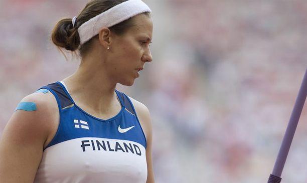 Mikaela Ingberg siirtyy psyykkaushommiin.