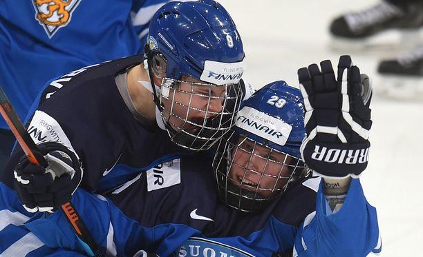 Lääketieteellisen näkemyksen mukaan Jesse Puljujärven ja Patrik Laineen pitäisi jatkaa vielä kauden verran häkit päässä.