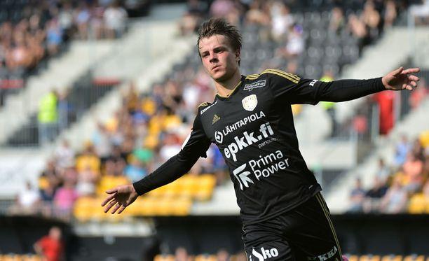13 maalia tällä kaudella viimeistellyt Roope Riski iski Ilvestä vastaan kolmesti.