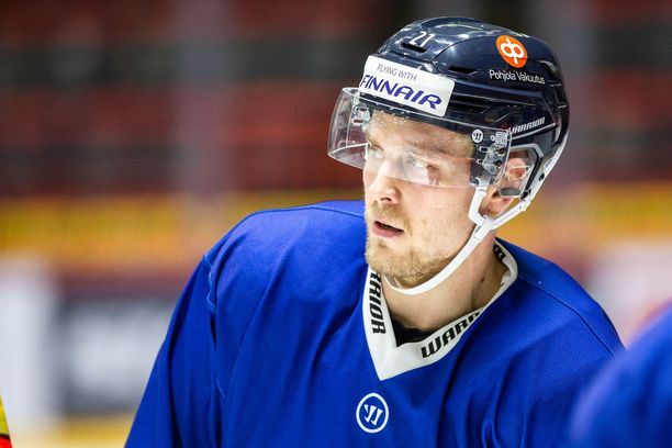Juhani Tyrväinen voitti MM-kultaa Leijonien paidassa keväällä 2019.