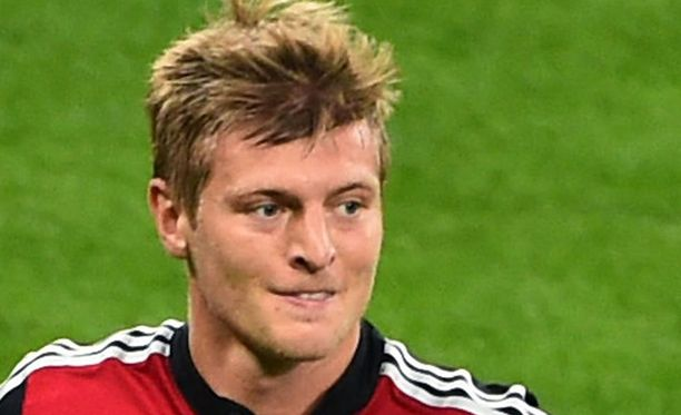 Toni Kroos siirtyy Bayern Münchenista Real Madridiin.