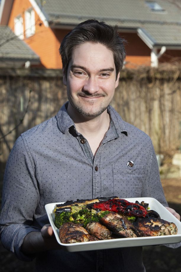 Henri Alénin uusimmassa keittokirjassa on oma lukunsa grilliruuille.