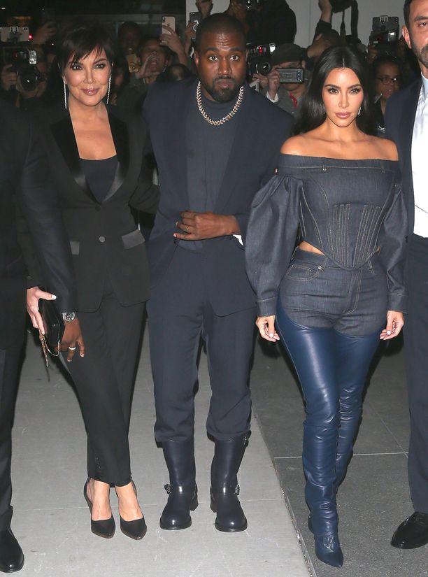 Kris Jenner vakuutti tyttärensä eropäätöksestä: Kanyen on aika mennä.