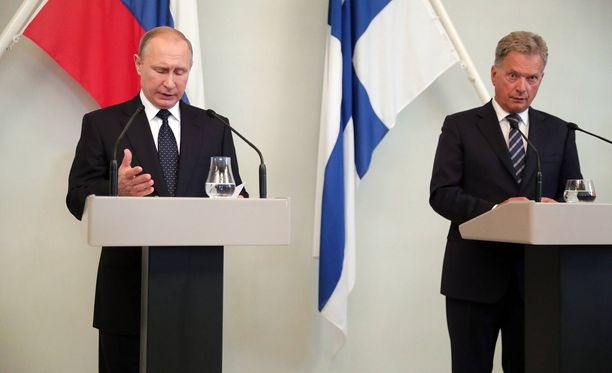 Presidentit Sauli Niinistö ja Vladimir Putin keskustelivat perjantaina puhelimessa. Kuva viime heinäkuulta, jolloin Putin vieraili Punkaharjulla.