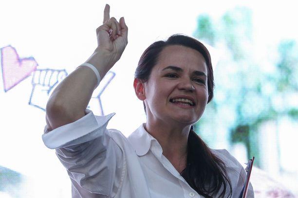 Tsihanouskaja kampanjatilaisuudessaan heinäkuun lopulla.