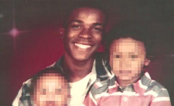 Stephon Clarkilla oli kaksi lasta.