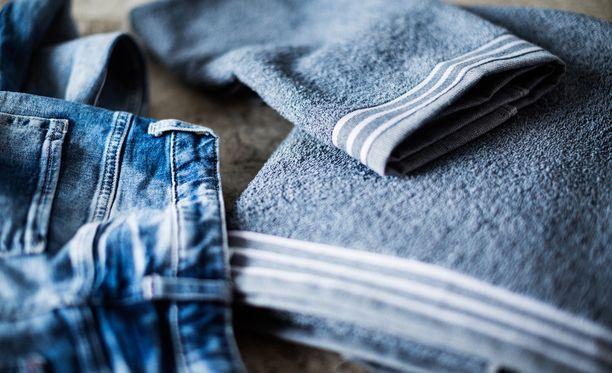 Kodintekstiiliyritys käyttää nyt myös farkkuja pyyhkeiden materiaaleina.