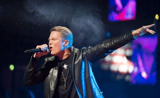 Cheek konsertoi viikonloppuna kahdesti täydelle jäähallille Helsingissä.