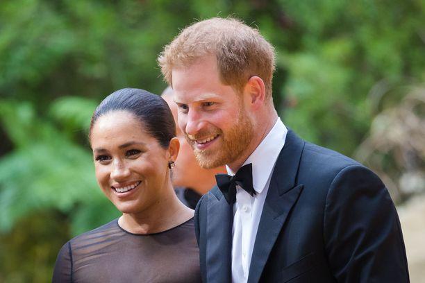 Herttuatar Meghan ja prinssi Harry kuuluivat kuvatuimpiin ensi-iltavieraisiin.