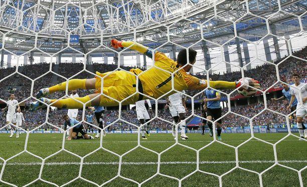 Hugo Lloris venytti yhden MM-turnauksen hienoimmista torjunnoista.