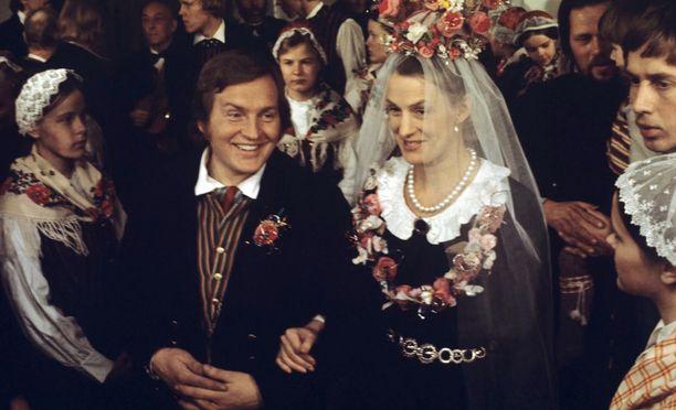 Janne ja Maija avioituvat vanhempiensa sopimuksen vuoksi.