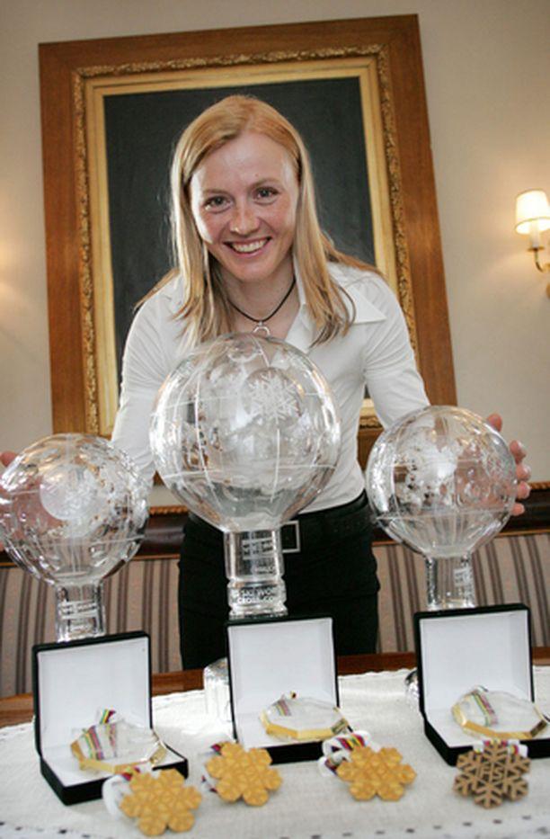 Viime kaudella kaiken voittanut Virpi Kuitunen jatkaa uraansa seuraaviin olympialaisiin asti.