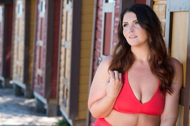 Marjaana Lehtinen laihdutti 80 kiloa. -Olen kokenut sen, millaisia ennakkoluuloja ylipainoiset ihmiset joutuvat kokemaan. Minua luultiin laiskaksi ja tyhmäksi vain sen takia, että olin ylipainoinen.