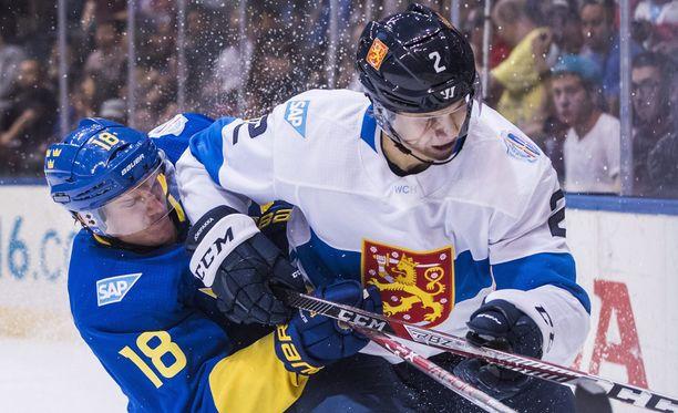 Jyrki Jokipakka väänsi Jakob Silfverbergin kanssa.
