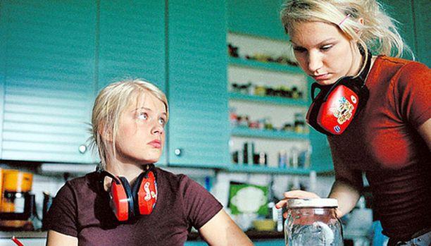 Karasuon siskokset tarvitsevat kuulosuojaimia, kun vanhemmat räyhäävät toisilleen.