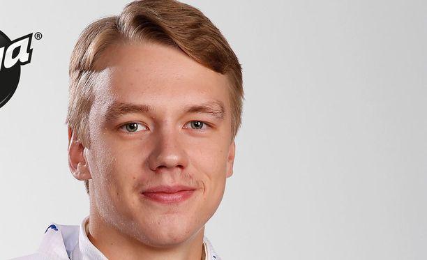 Veini Vehviläinen ei toistaiseksi ole päästänyt SM-liigassa kiekkoakaan taakseen.