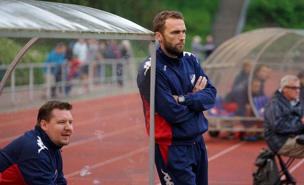 HIFK:n päävalmentaja Jani Honkavaara ei pitänyt näkemästään. Viikingit kaatoi HIFK:n 3–0.