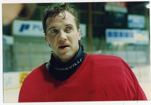 Scott Brower torjui Kiekko-Espoon maalilla 1992–94. Hän kuoli rattijuopon tappamana 21. lokakuuta 1998 Texasissa.